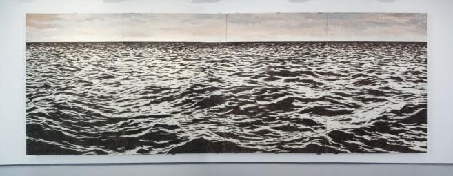 Isla (see-escape), 2010 / Óleo, anzuelos y puntillas sobre panel de yute y plywood / 269 x 800 x 10 cm