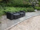 In tran/sit, 2002 / Concreto sólido, metal y maletas a tamaño real / Maletas a tamaño real