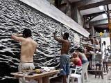 Obra en proceso / Isla (see-escape), 2010 / Óleo, anzuelos y puntillas sobre panel de yute y plywood / 269 x 800 x 10 cm